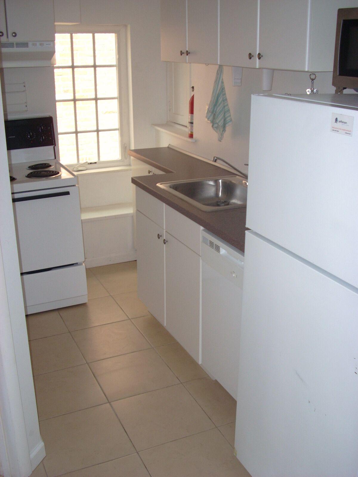1511 Pine St - Unit 2 Kitchen_preview