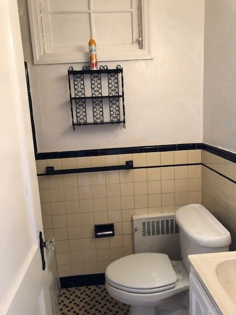 817 Windermere Bathroom