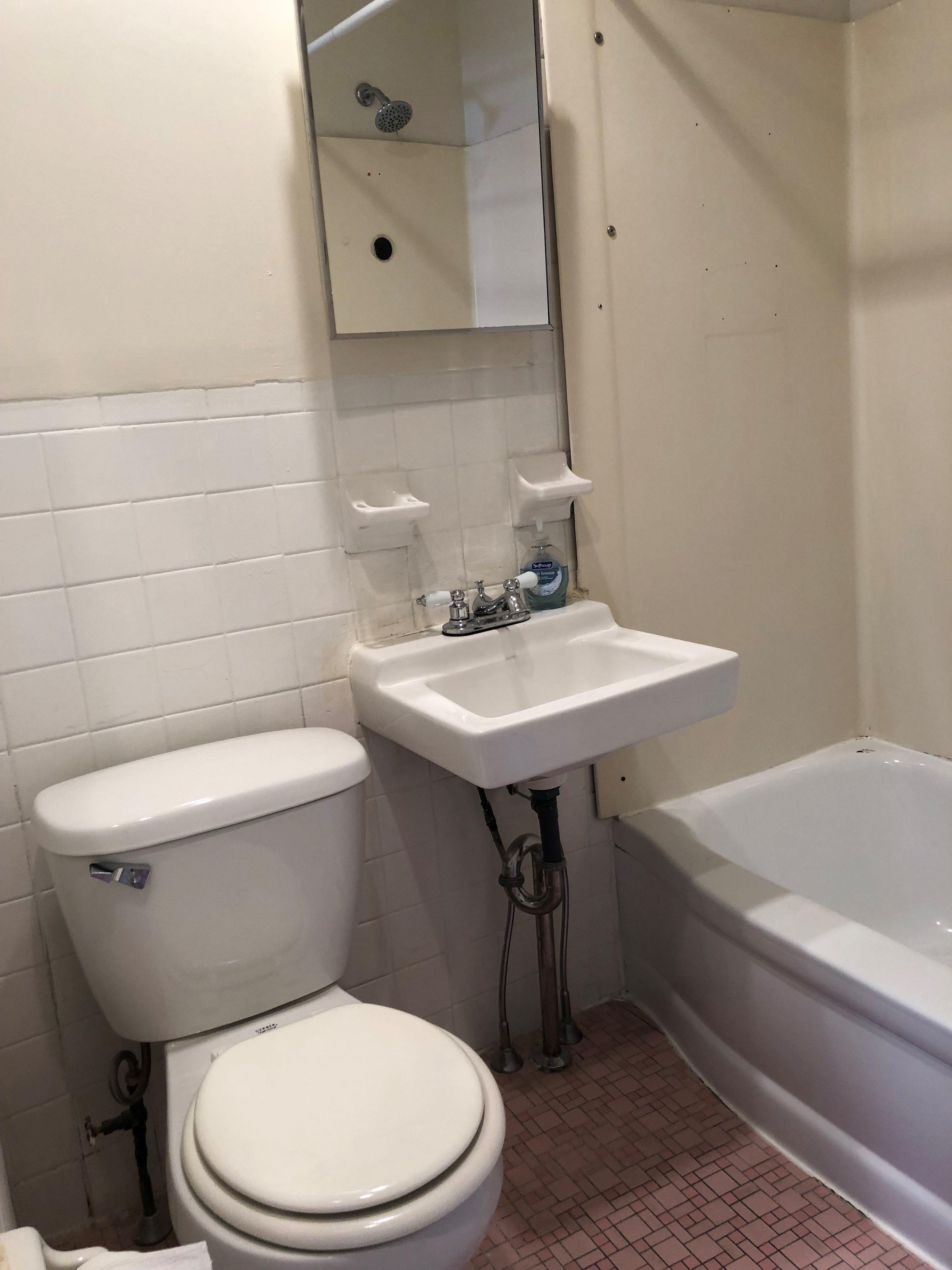 139 Bridge Interior Bathroom
