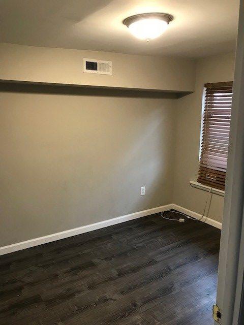 311 S. 16th bedroom