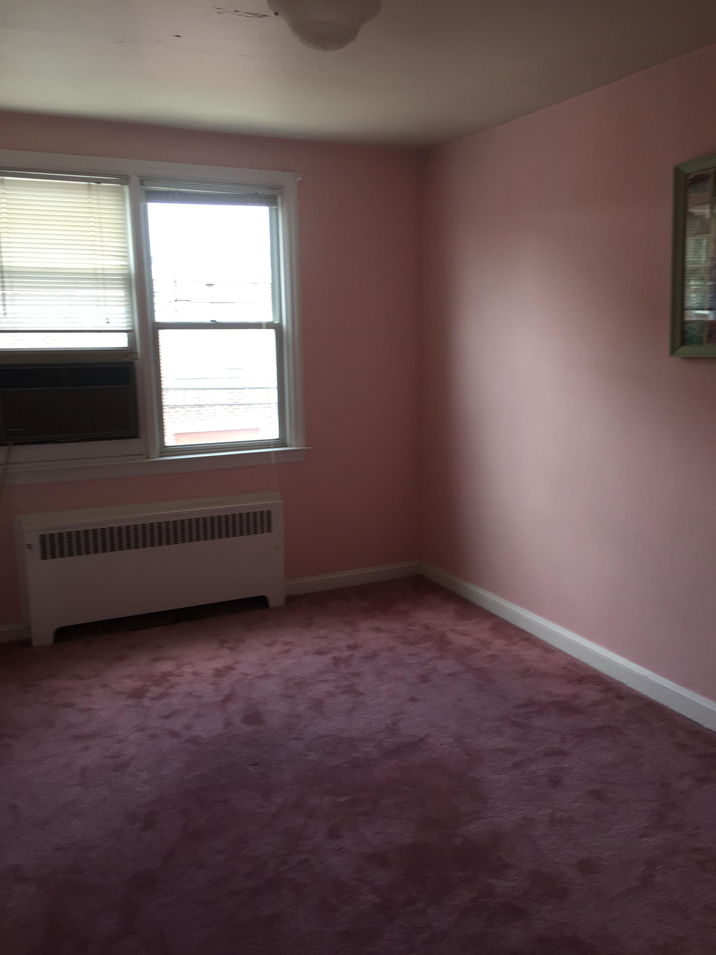814 Derwyn Bedroom