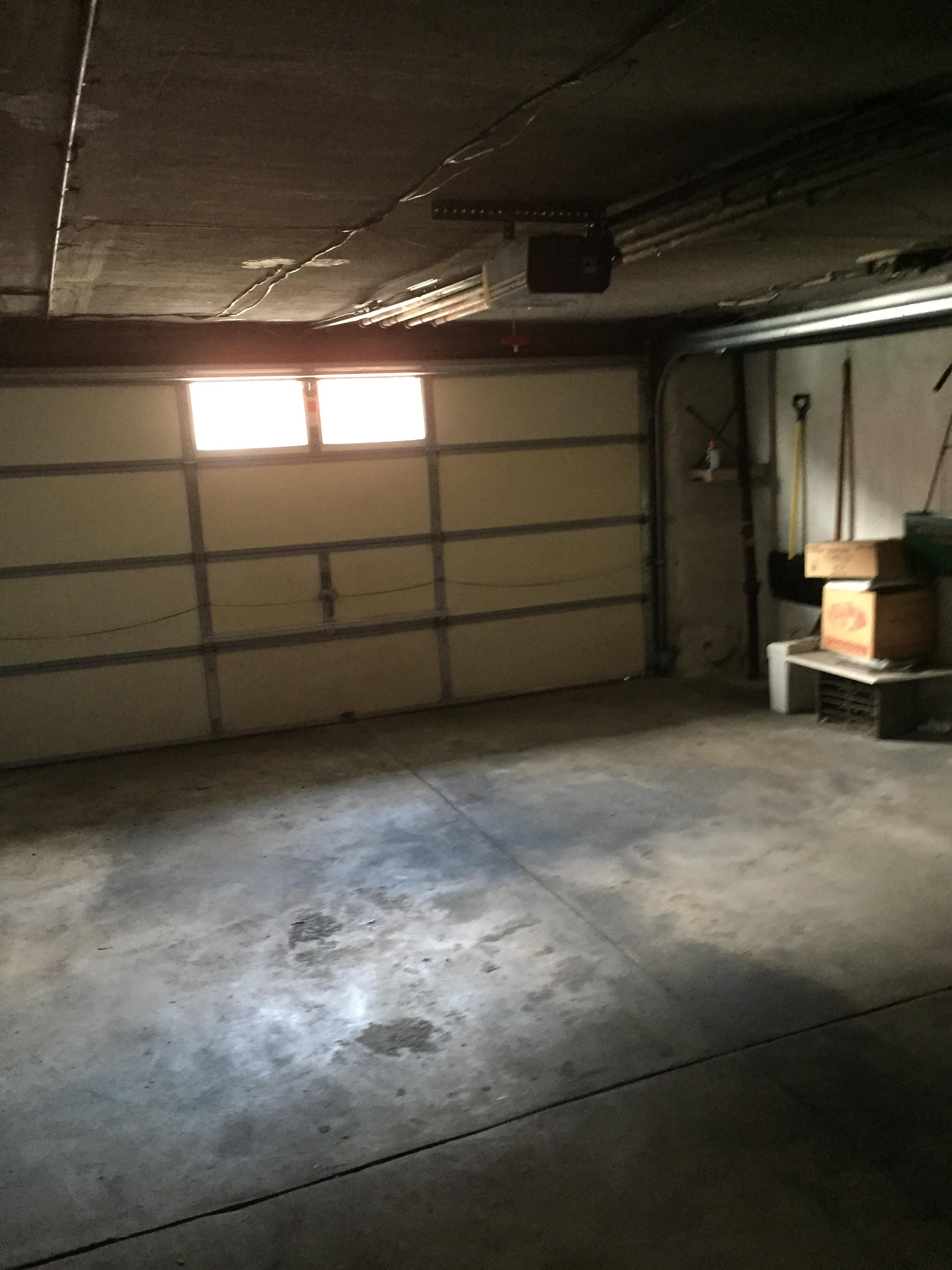 814 Derwyn Garage