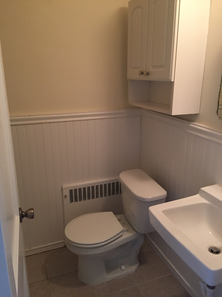 874 Windermere Bathroom