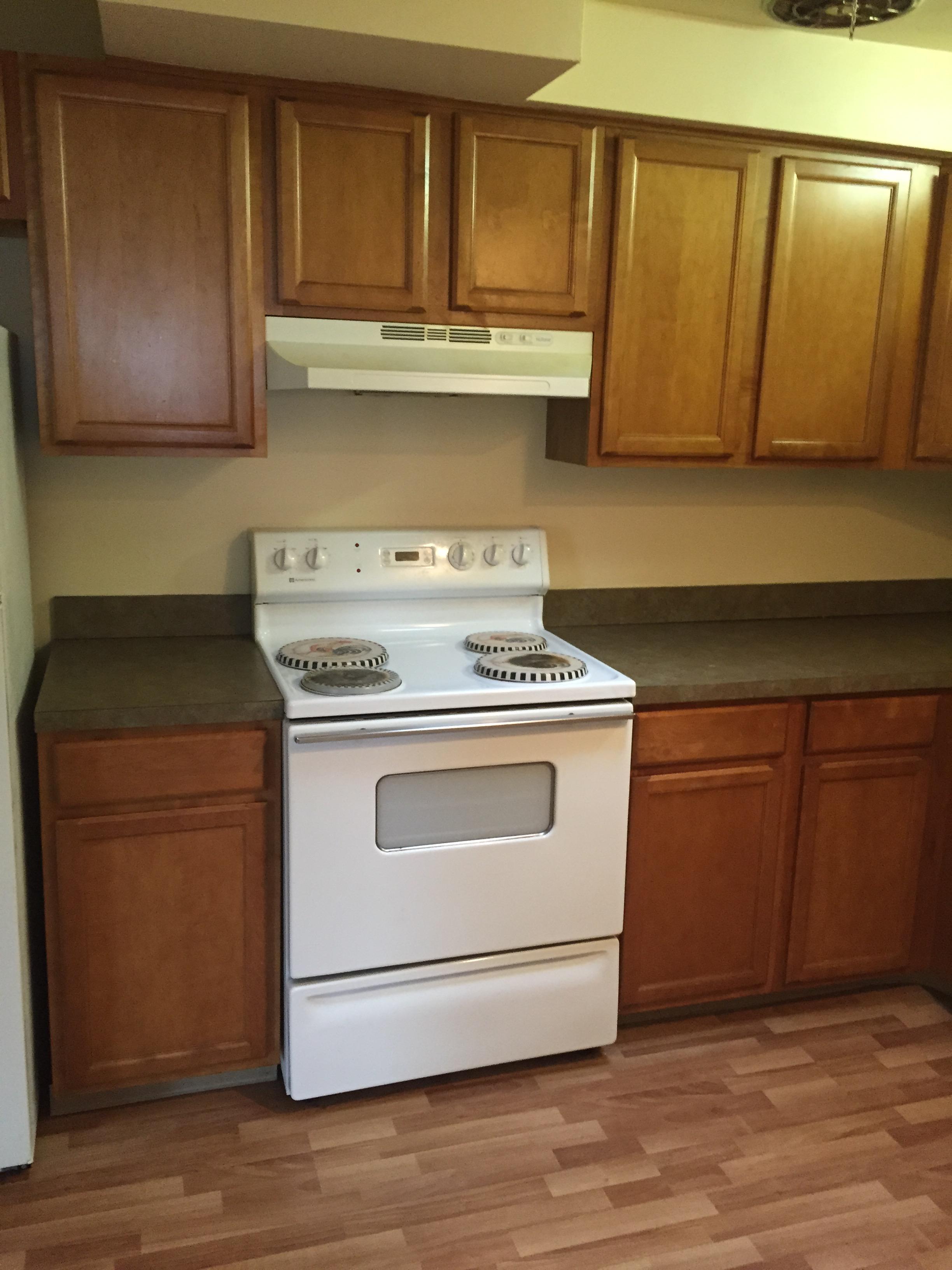 4440-4442 State Kitchen Stove