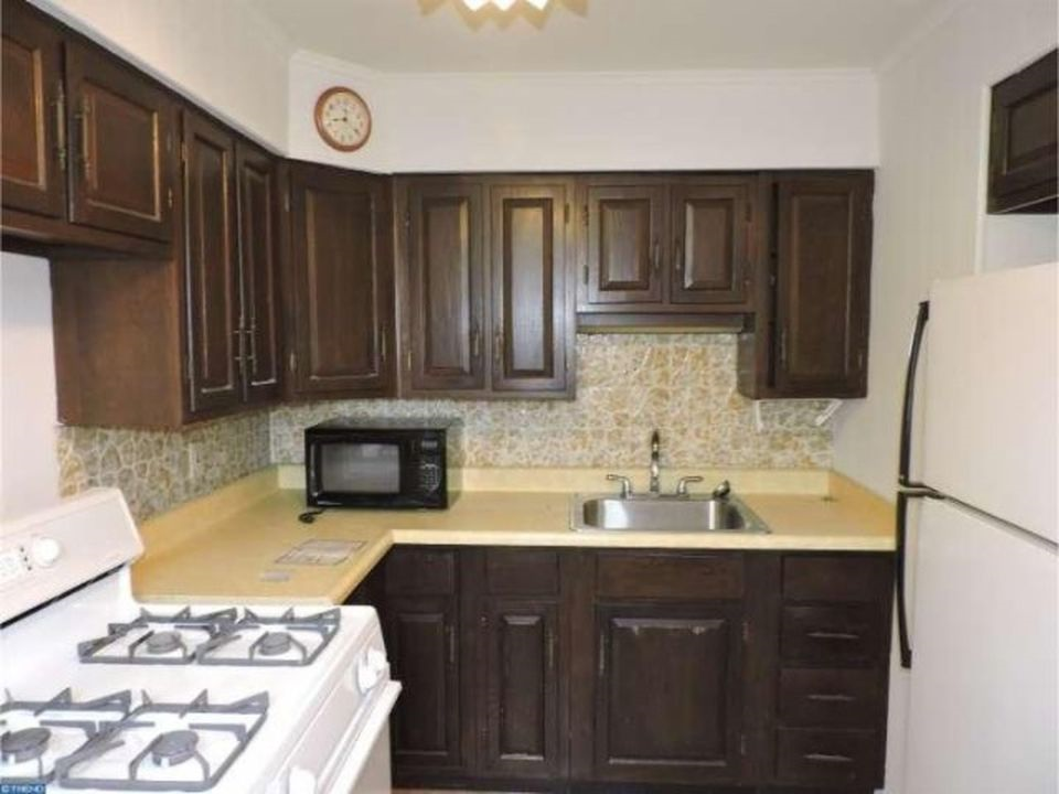 3848 Plumstead Kitchen 3rd image