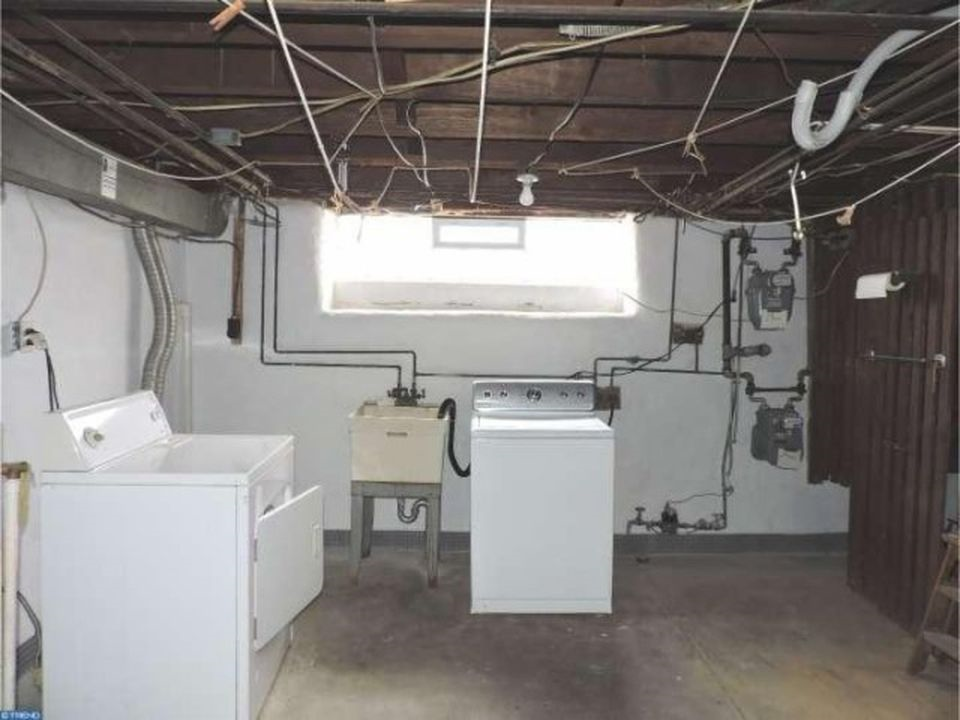 3848 Plumstead Laundry