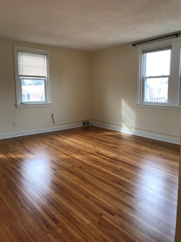 3848 Plumstead Living Room 1 Image