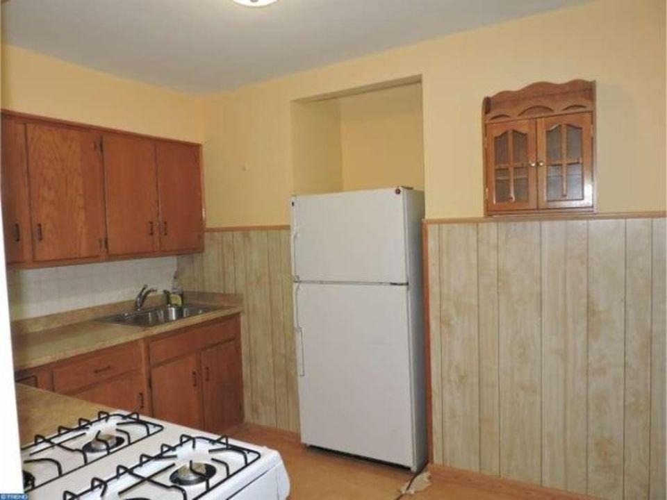 3848 Plumstead Unit 2 Kitchen Image
