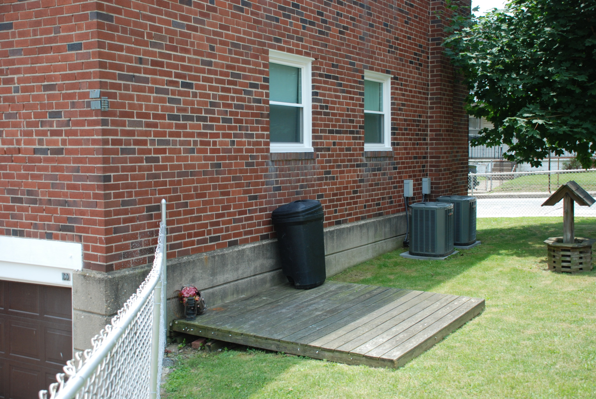 139 Bridge Exterior Backyard 2