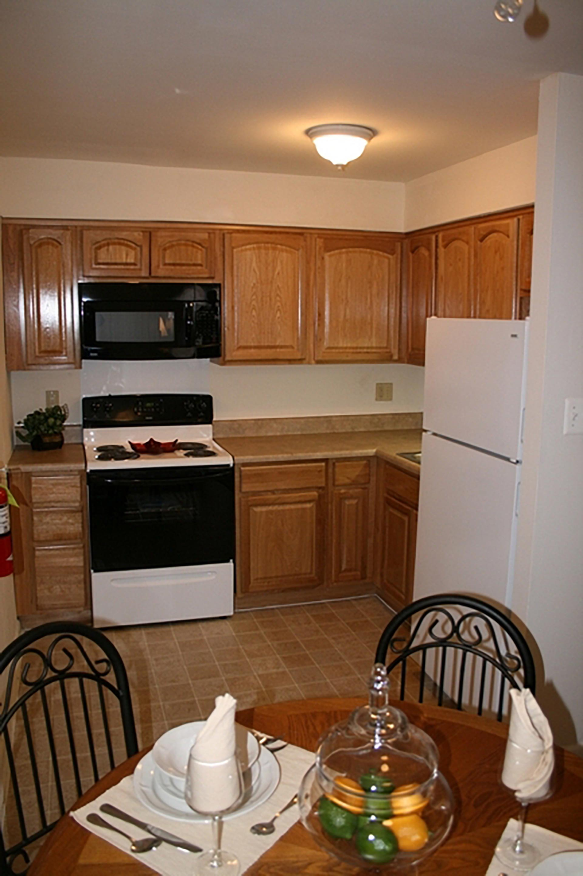 Ardmore Court kitchen with small dining table
