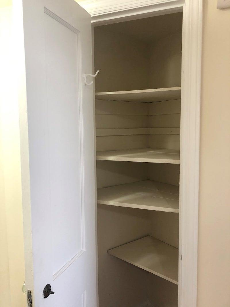 4241 Valley unit interior closet