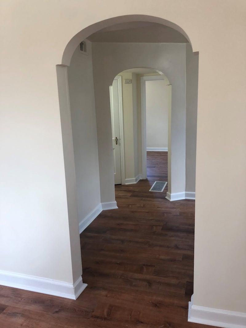 4241 Valley upstairs hallway